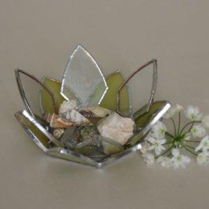 Minimalist botanical Tiffany stained glass trinket holder.